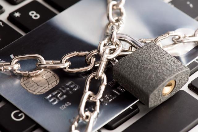 クレジットカード現金化の利用停止のイメージ