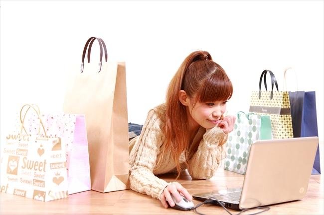 クレジットカード現金化は誰にも頼らず業者を使わない方がお得!